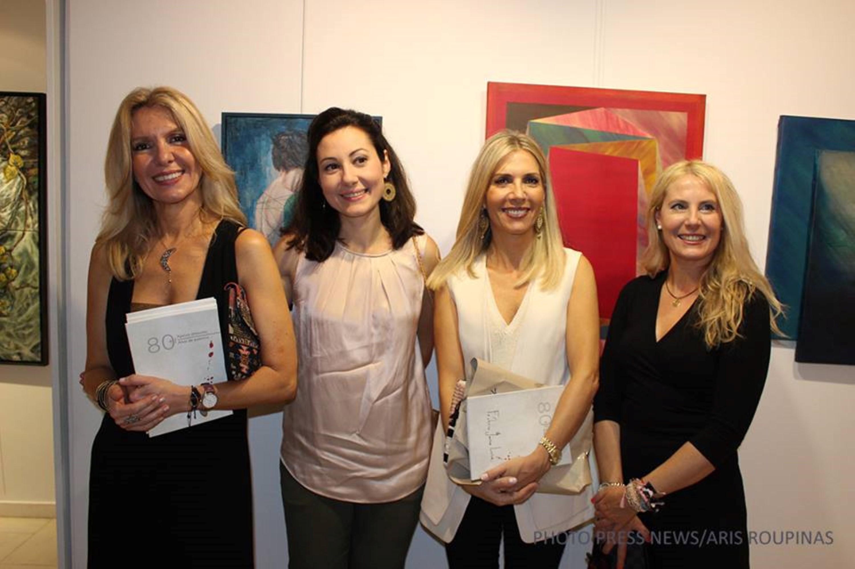 Από αριστερά προς τα δεξιά, οι συμμετέχουσες στην έκθεση εικαστικοί, Μαρία Αποστόλου, Νάντια Ράπτη, Τάνια Δρογώση και Μαρία Φίλη